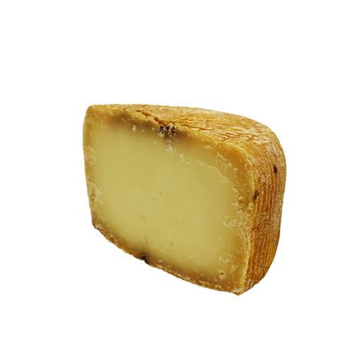 Pecorino stagionato in grotta pz. da 500 - 550 gr.